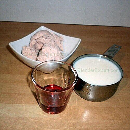 Ultimate Strawberry Milkshake Ingredients